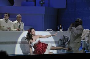 la-boheme-5-musetta-opera-de-nantes-credit-jef-rabillon